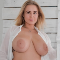 Alisena Webcam Model