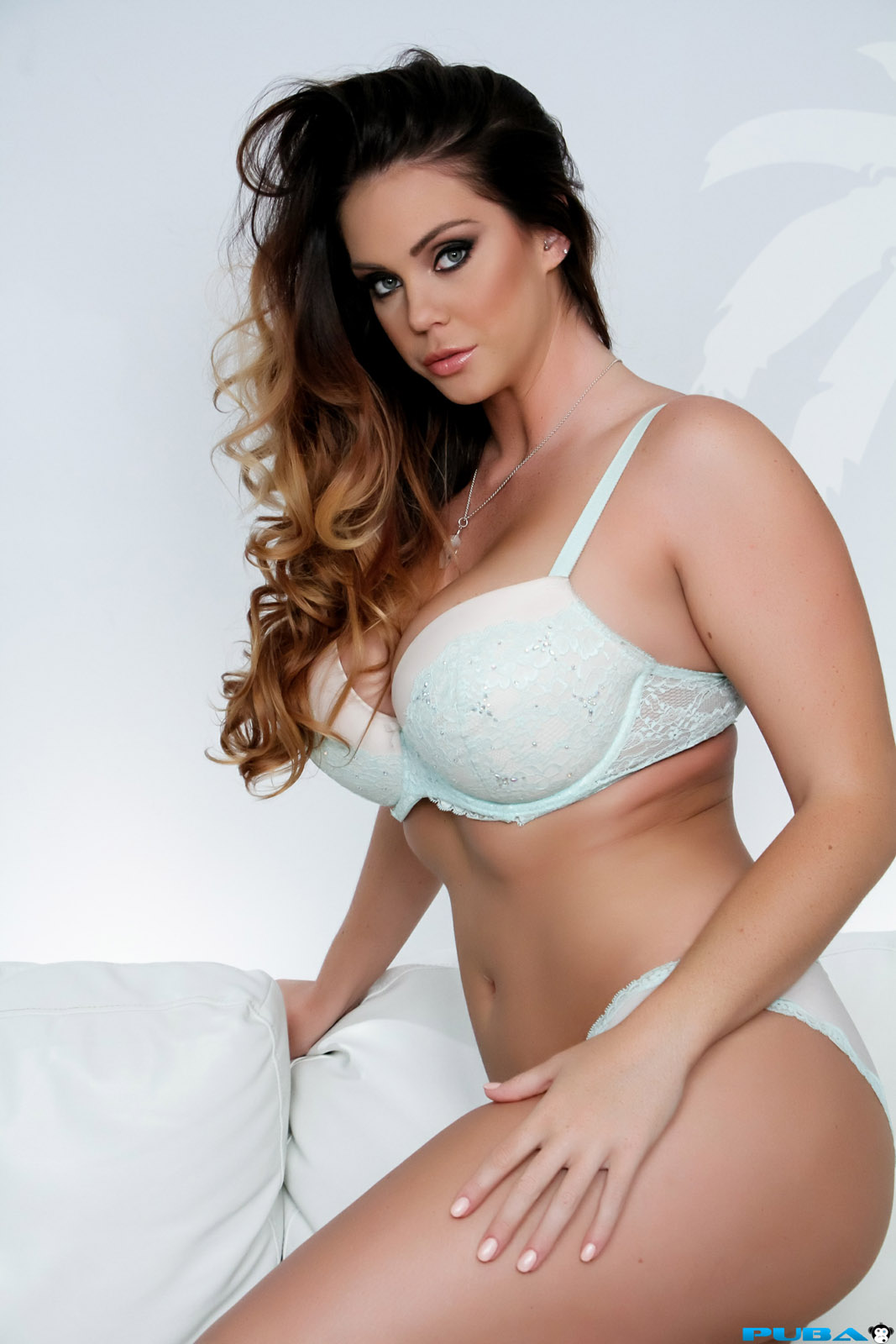 alison tyler thick beauty - foxhq