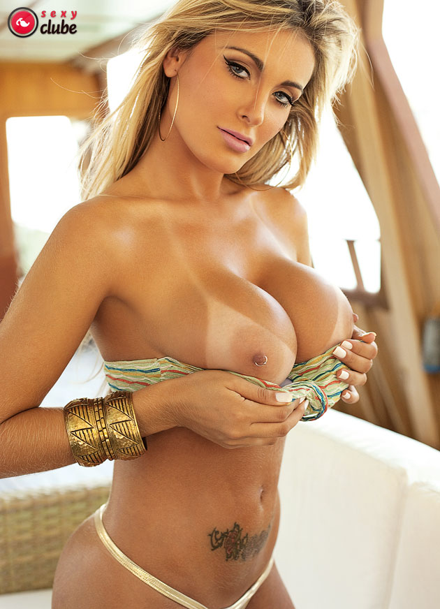 Andressa Urach Vacation