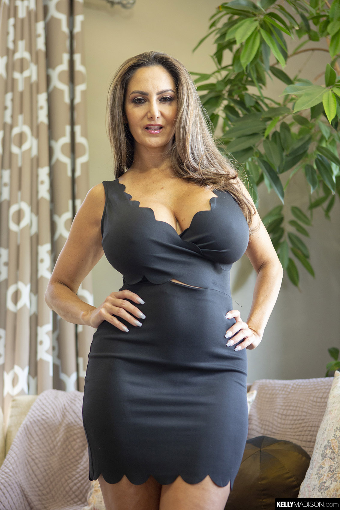 Milf dress gallery