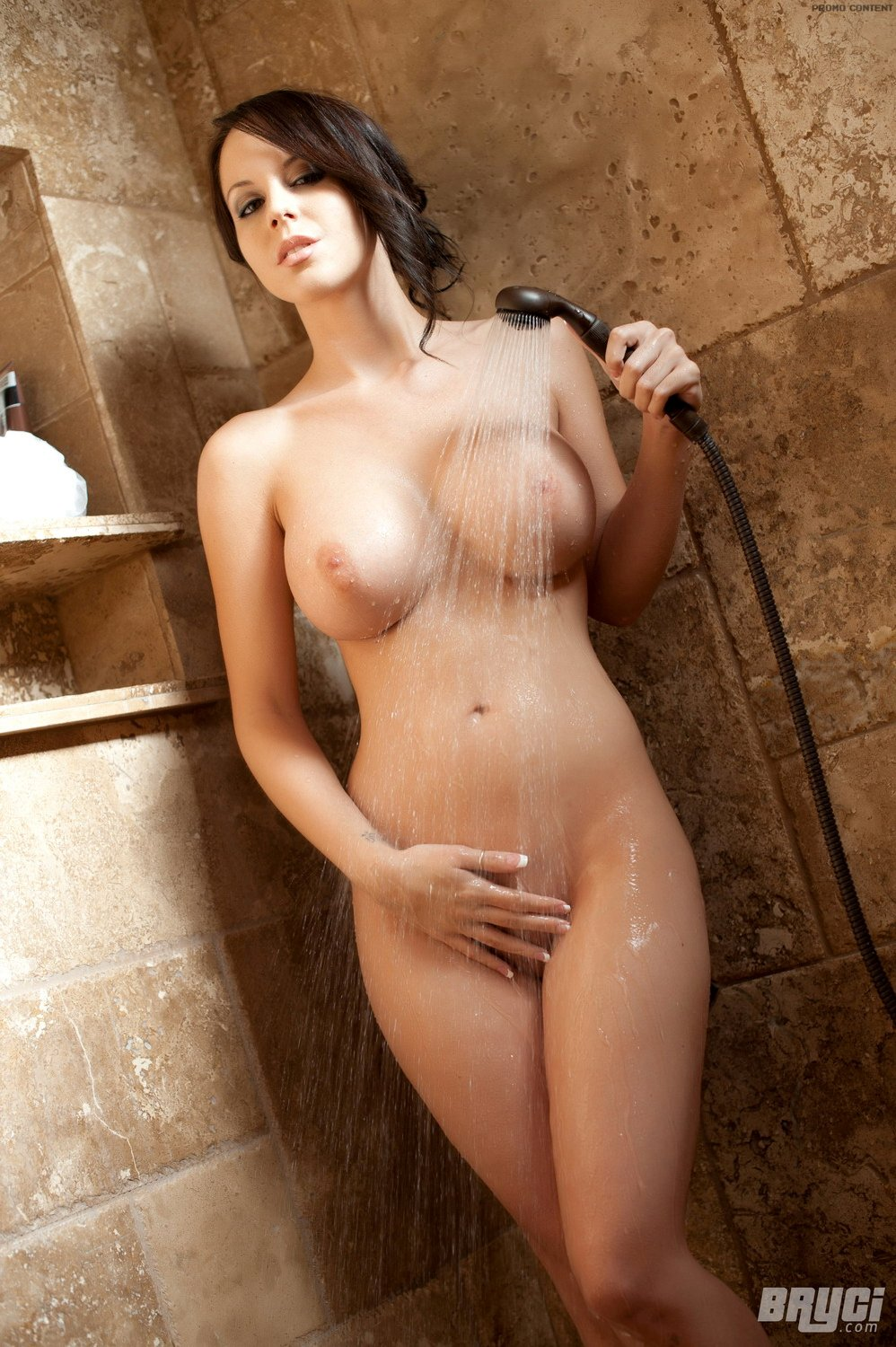 Nude shower bryci