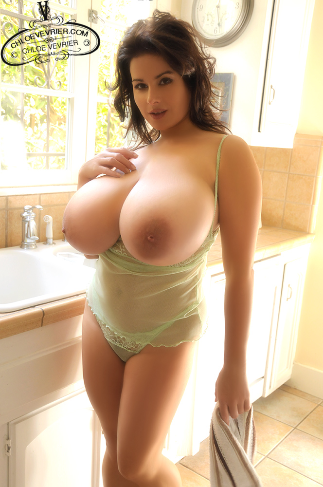 Chloe Vevrier Dishes and Boobs - FoxHQ: http://www.foxhq.com/chloe-vevrier-dishes-and-boobs/