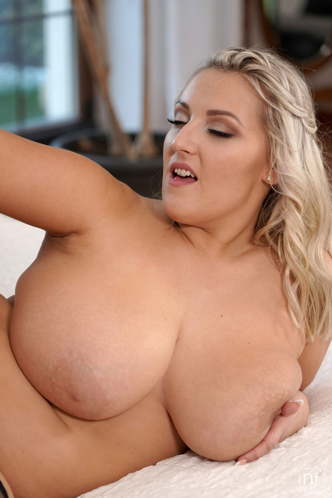 Sexy Striptease Hd Big Tits