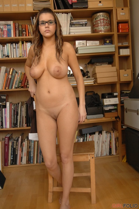 girls nerdy curvy and naked