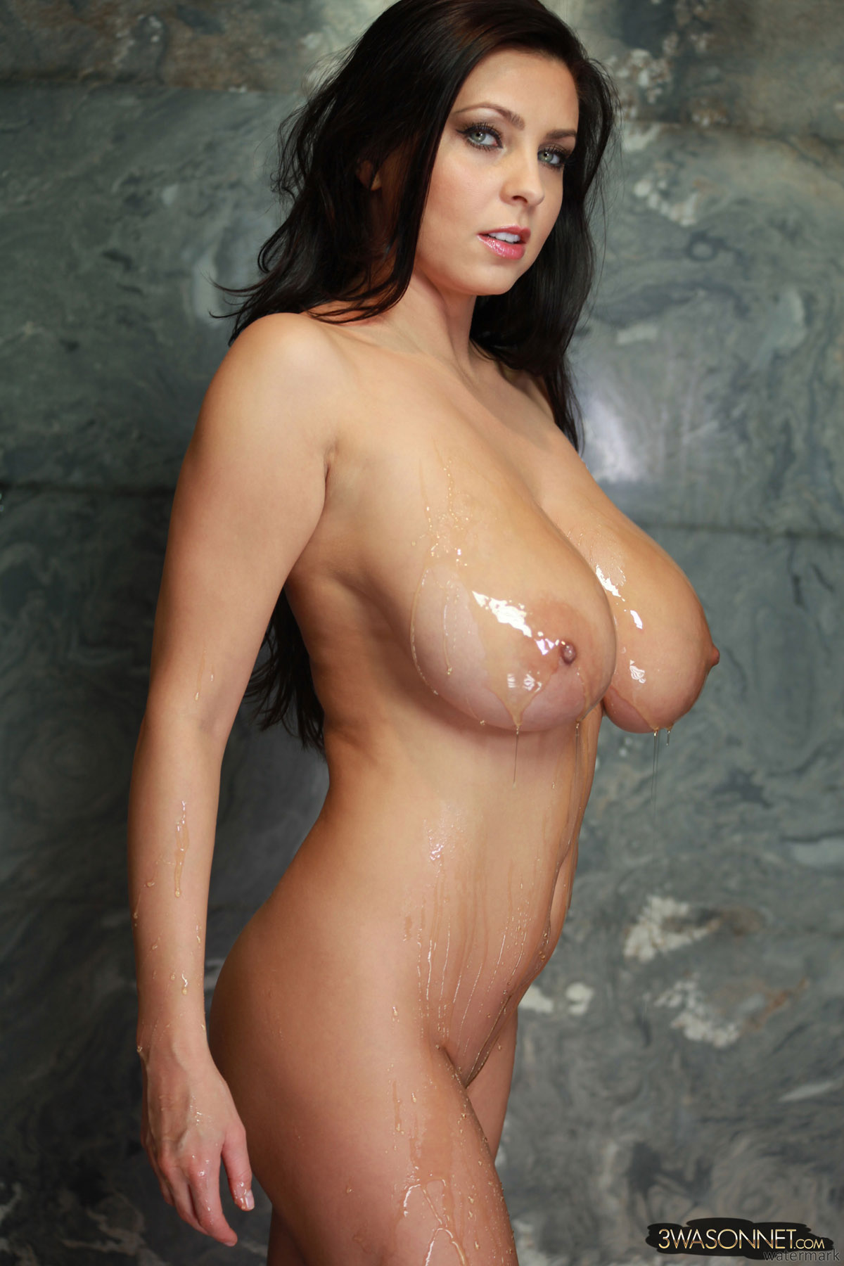 nude-babes-covered-in-honey