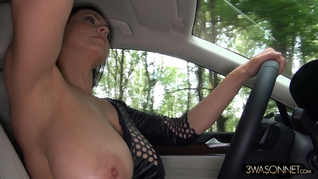 ewa sonnet naked driving