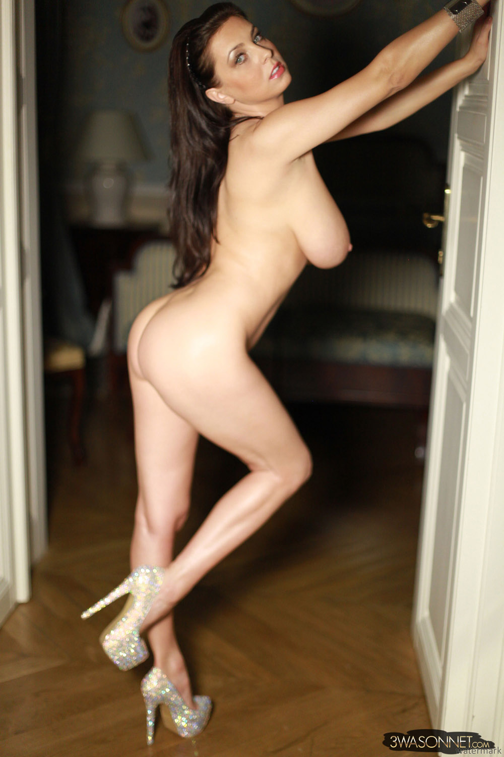 Naked girl mirror high heels
