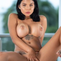 Ivy Miller Watch4Beauty