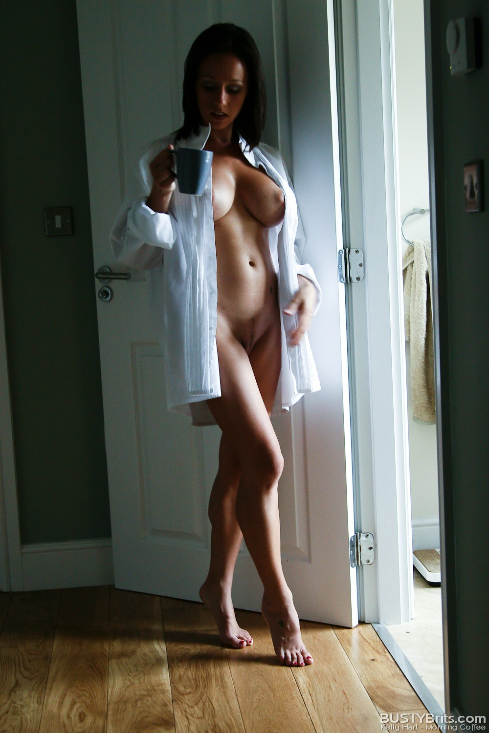 hot nude girls morning