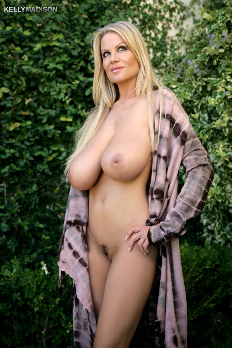 YourDailyPornstarscom :: Kelly Madison Married Life