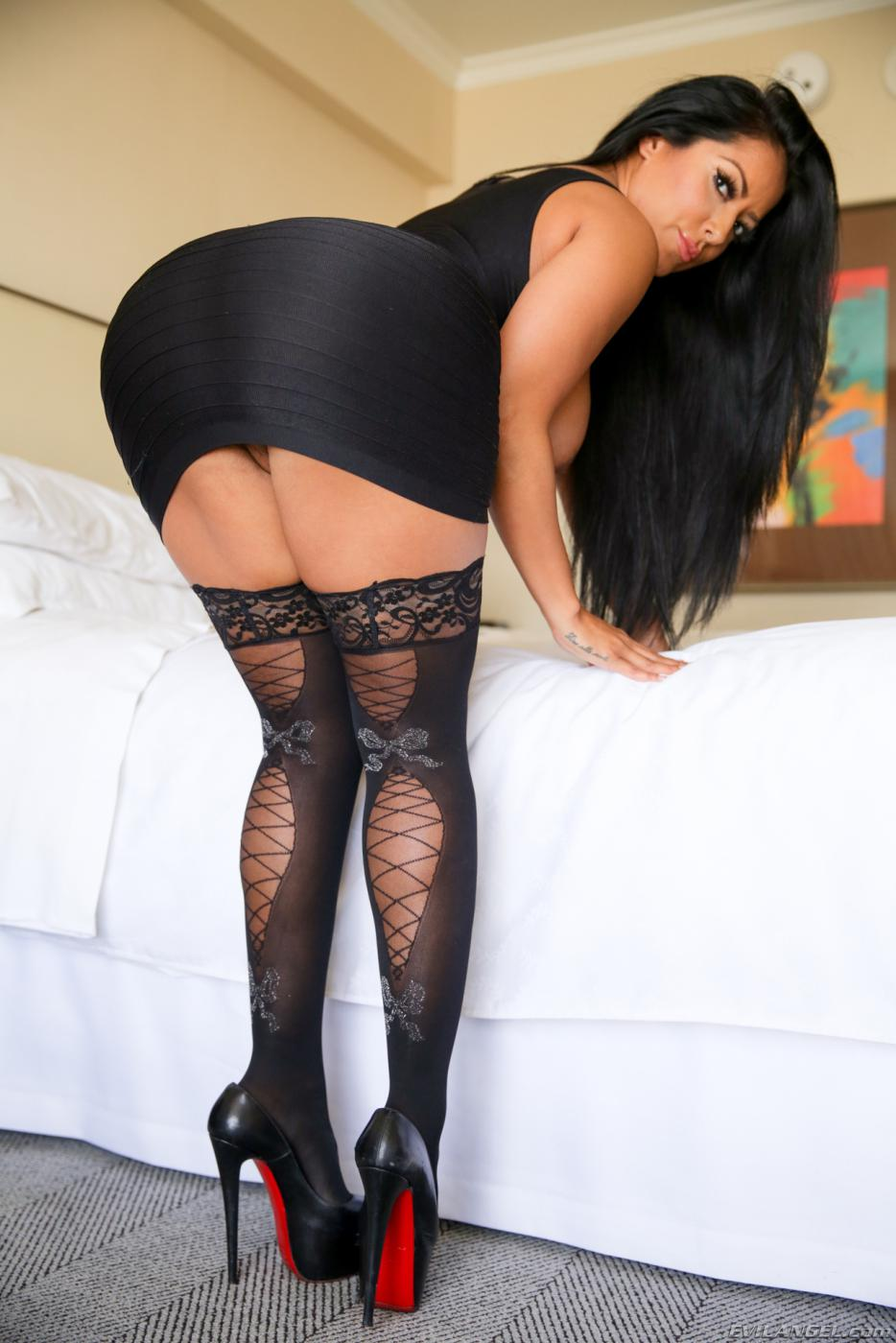 kiara mia stockings