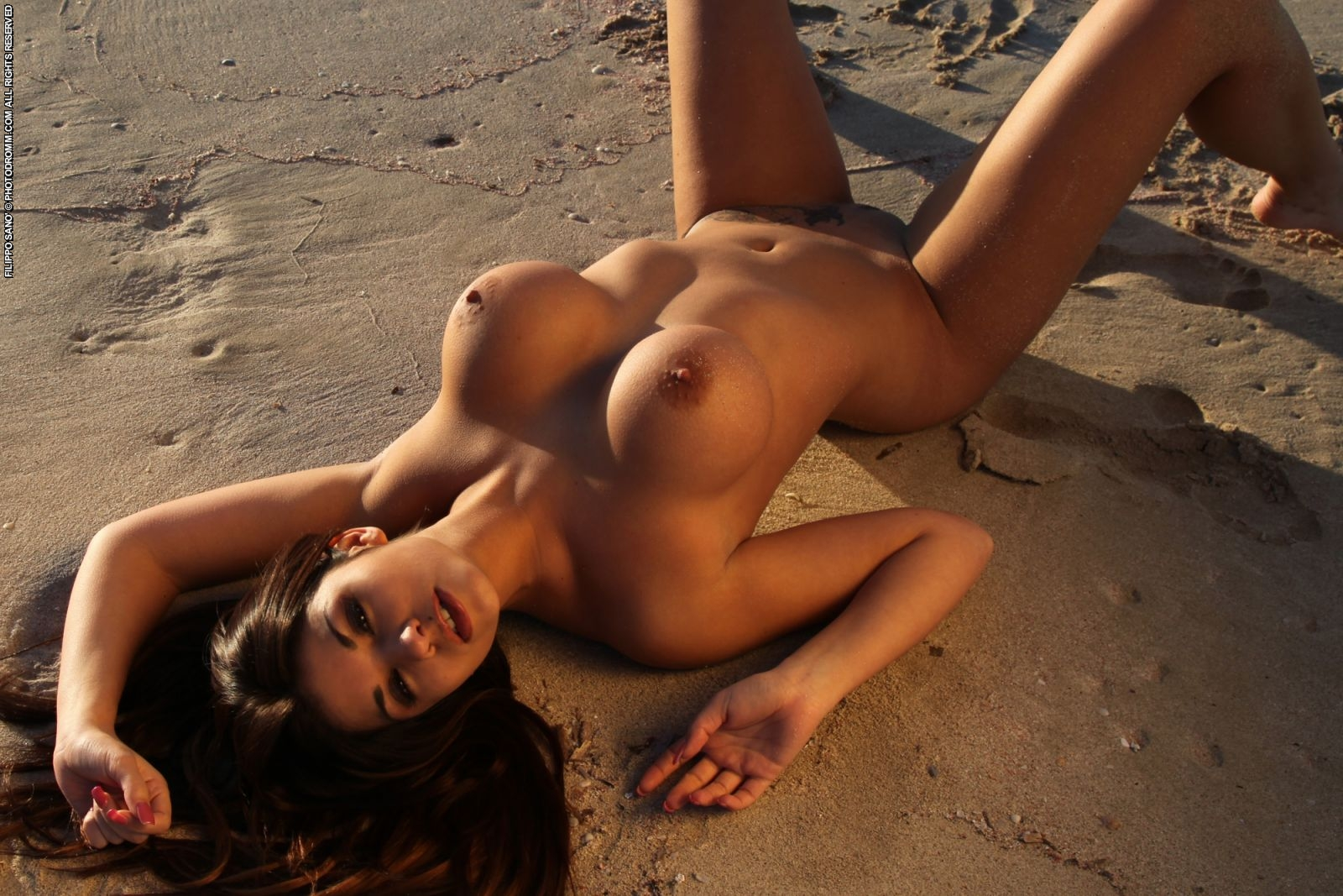 MARIBEL: Hot naked girl models on nude beach