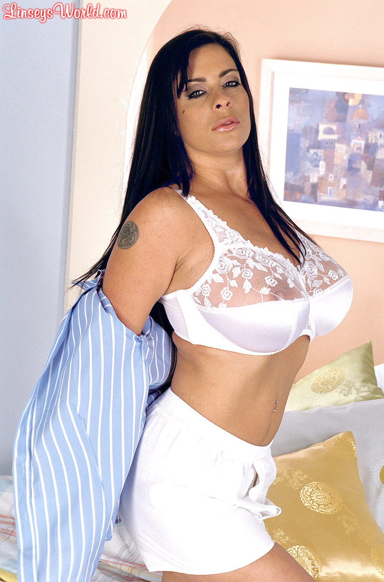 dawn big bra linsey tits white