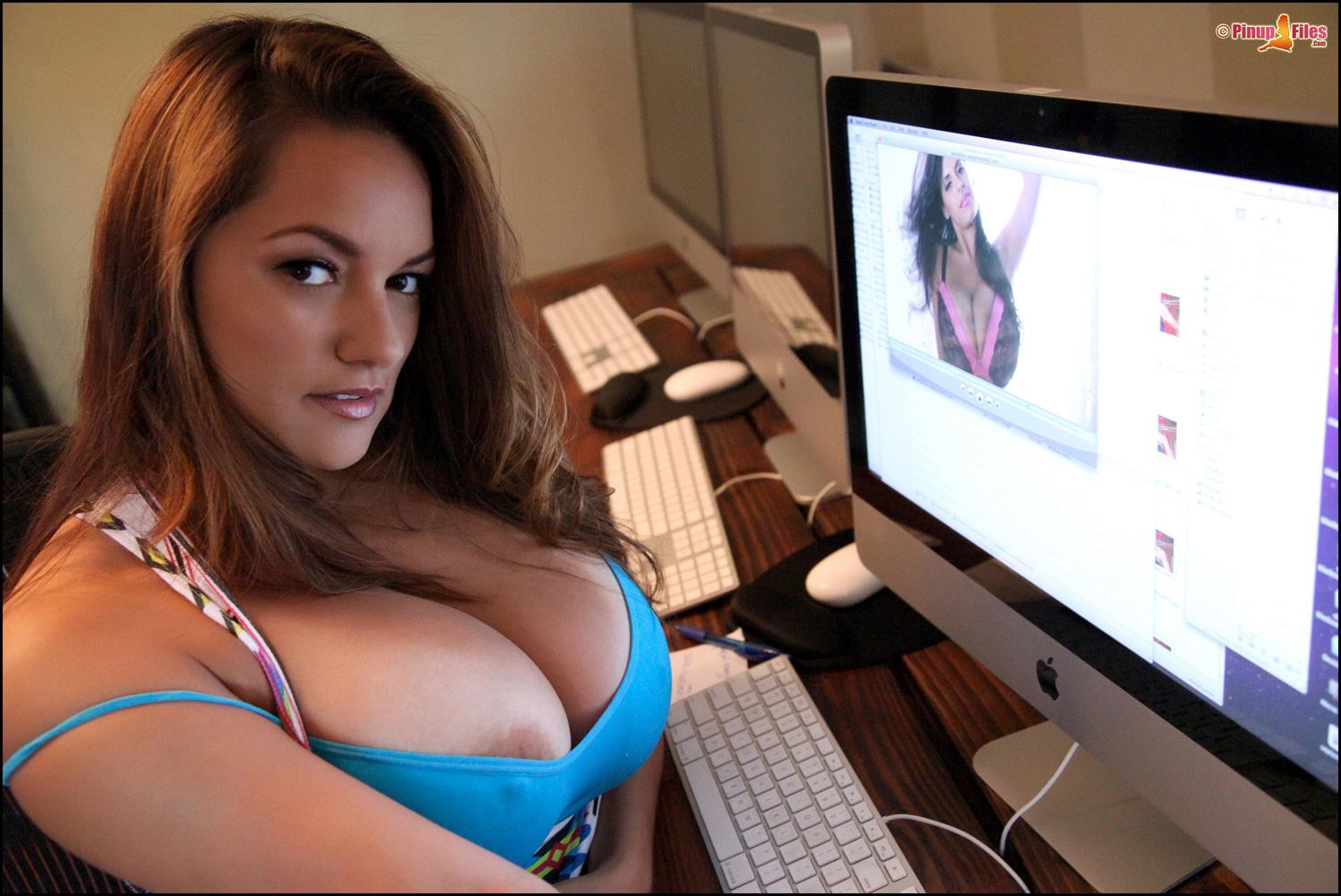 Sexy naked latina office women