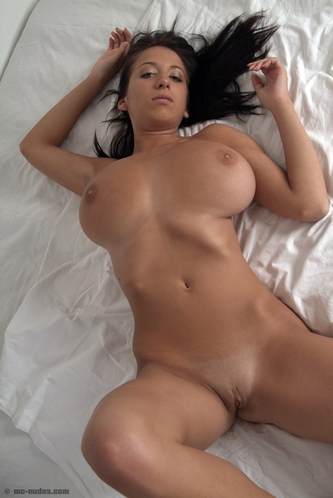 Naked voluptuous women sex