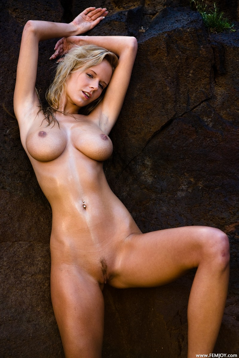 Tomas nude pictures of sabina