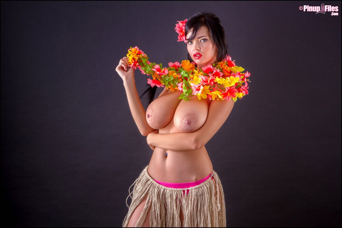 having Hula sex girl