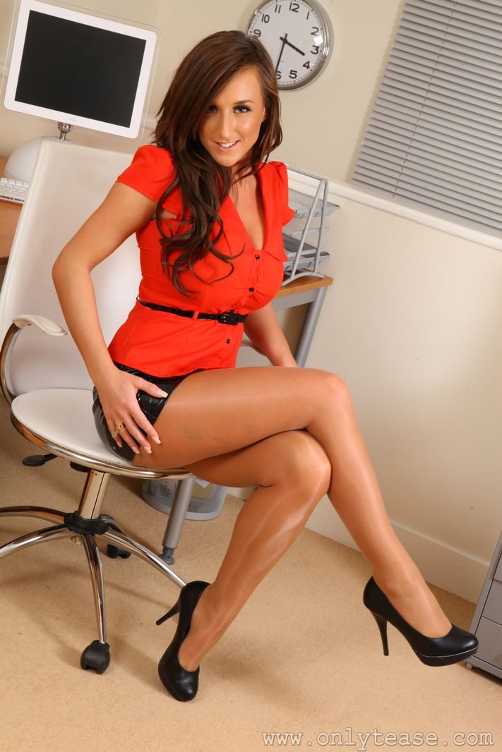 hot-sexy-women-in-the-office-anal-sex-dangerous