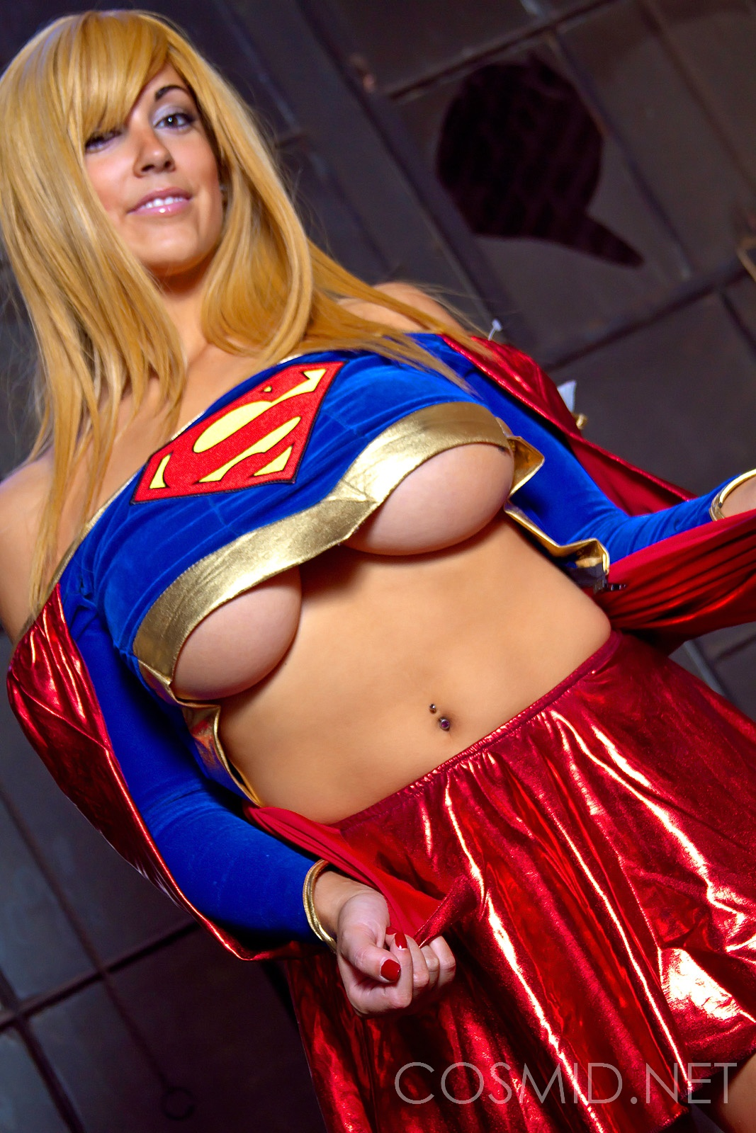 Supergirl stretched boobs — photo 11