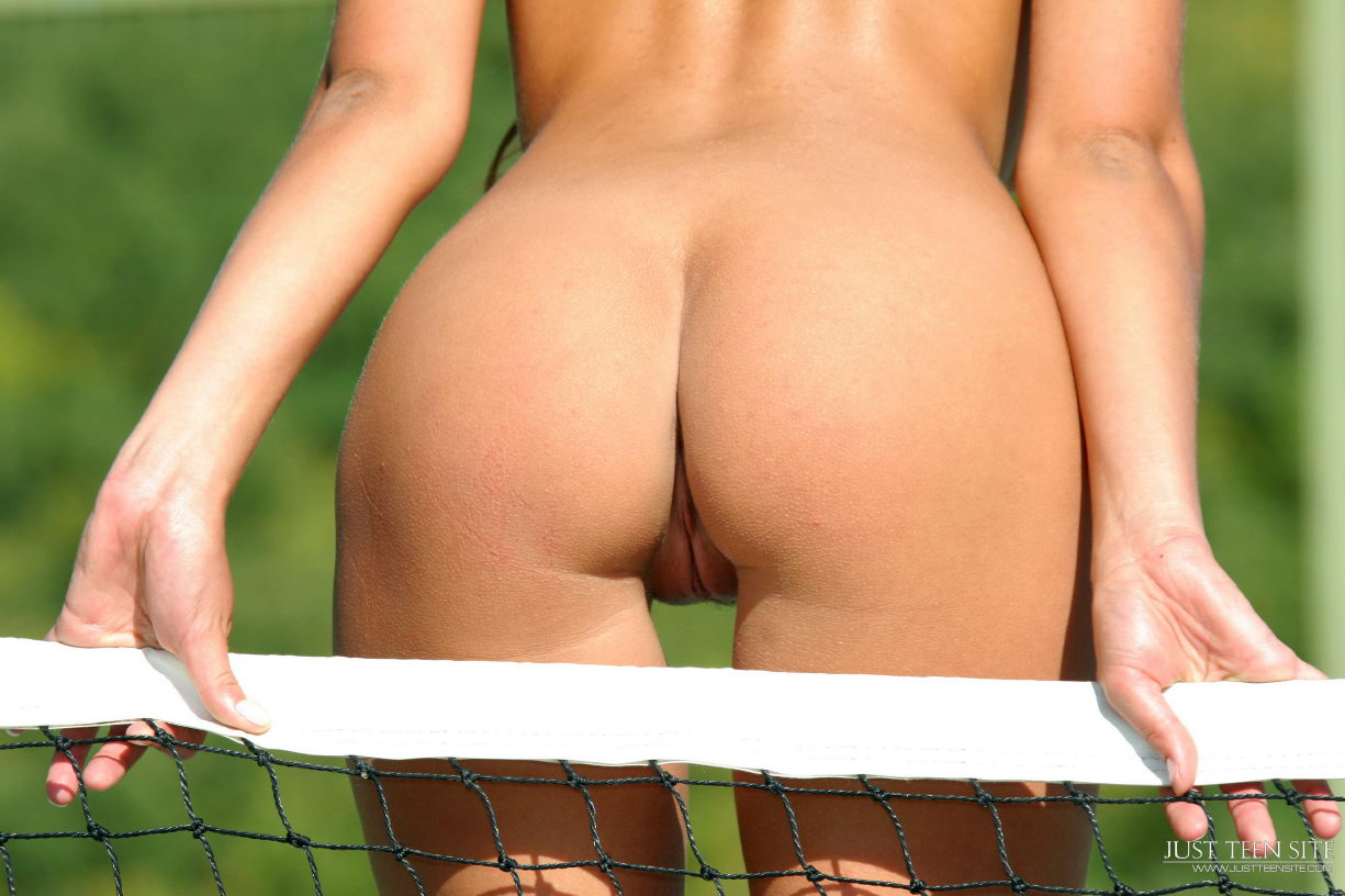 non nude tennis ball girls jpg 1500x1000
