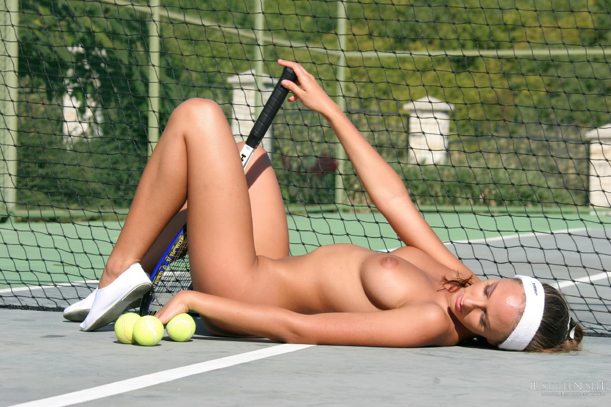 Hot women playing nude sports