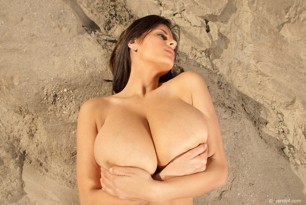 wendy fiore topless